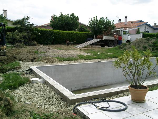 Agius paysagiste paysagiste professionnel en entretien for Entretien jardin particulier 95